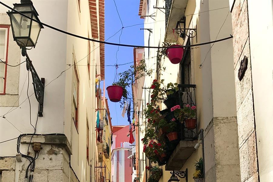citytrip lissabon straatjes Alfama
