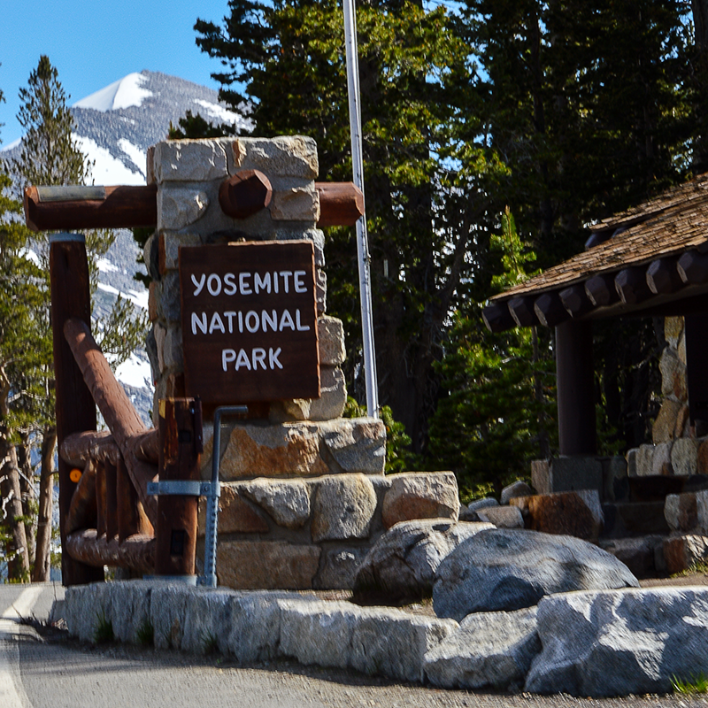 Yosemite National Park - Park entrance
